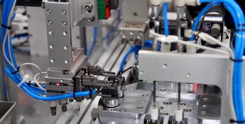 自动叠片组装机